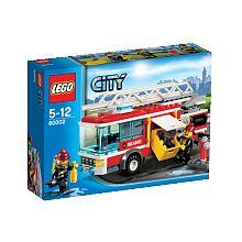 Lego City - Le camion de pompier - 60002  - marque : Lego Tous à vos postes ! Il y a un incendie à LEGO City et les pompiers doivent se précipiter sur place dans leur incroyable camion de pompiers ! Connecte le tuyau, déplie l'échell... prix : 21.99 €  chez Toys R us #Lego #ToysRus