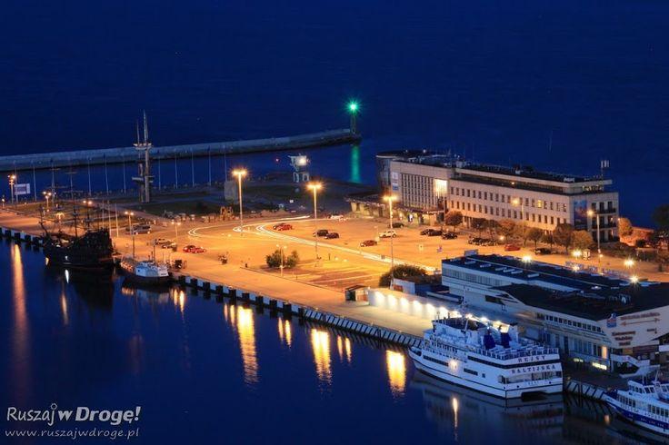 Gdynia Molo Południowe nocą - widok z Sea Towers