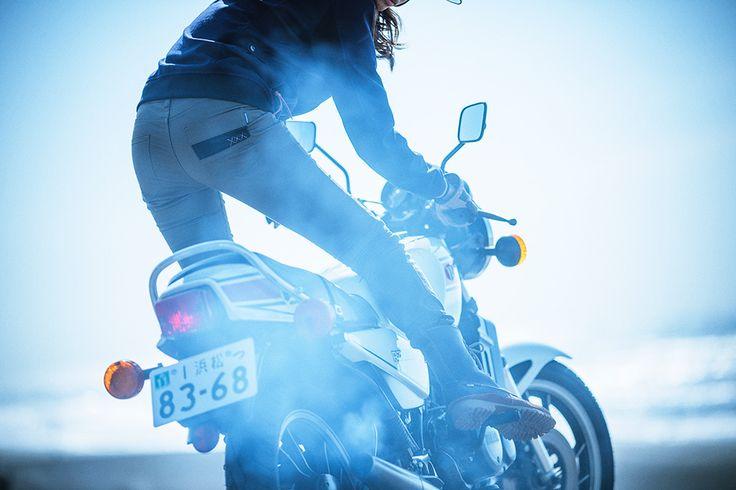 彼女と8月27日のオートバイ - バイク・スクーター | ヤマハ発動機株式会社
