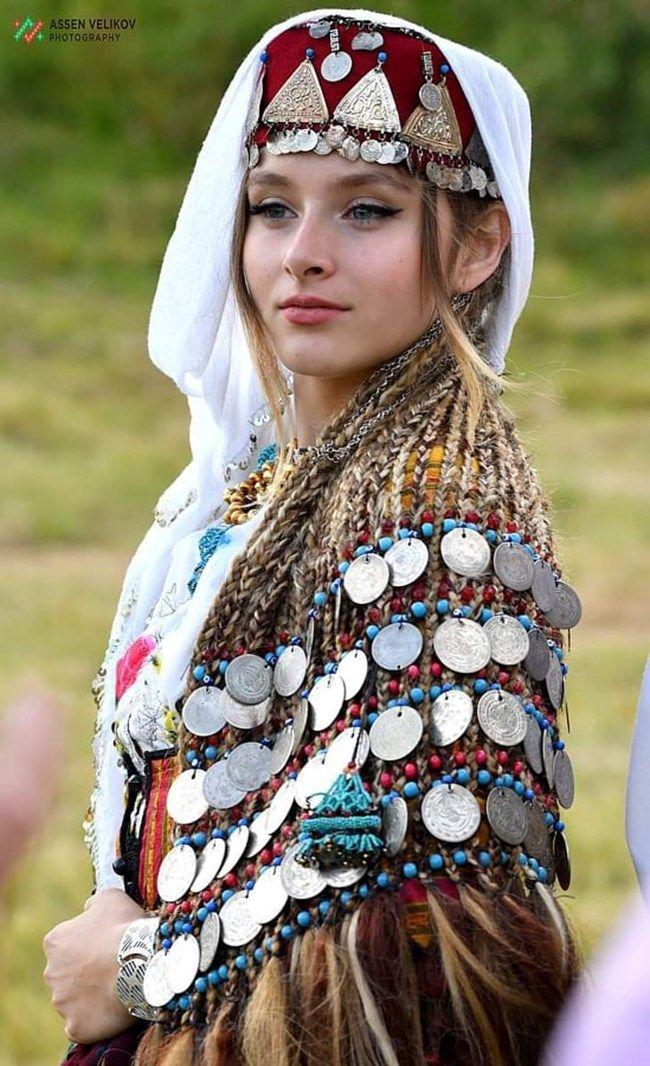 Pin by блье шмрък on Bulgarian Folk Costume   Bulgarian