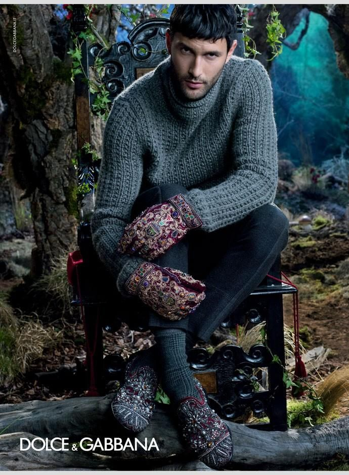Noah Mills for D&G F/W 2014 l Dolce & Gabbana really has some of the best layouts ever