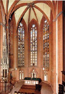 Chorraum mit Sakramentshaus (Hans von Düren, 1482) und erhaltenen Glasmalereien (Conrad Rule/Henritz Heyl, 1472).