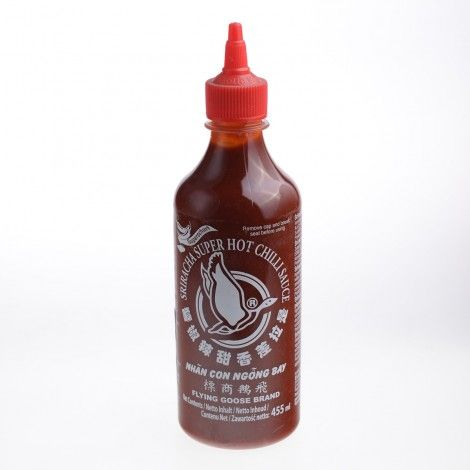 Sriracha este un sos picant sau sos de chilice are ca ingredient de bazapasta de ardei iute.Este un produs traditional thailandeziar numele provine de la un oras local.
