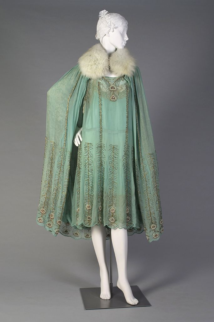 1920s, America - Teal chiffon and gold evening dress and cape with fur collar by Peggy Hoyt
