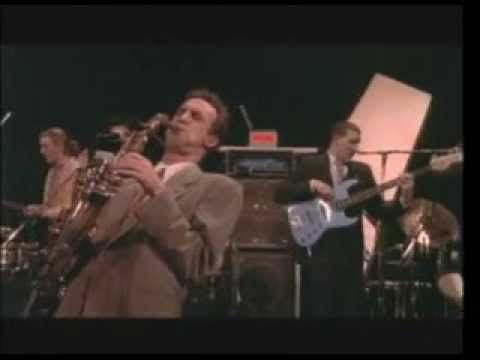 John Lurie & Lounge Lizards - Live in Berlin, 1991 / Absolutely stunning. I could watch this over and over.