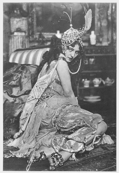 Ida Rubinstein as Zobeide in Scheherazade, 1910. Written by Alexandre Benois. Music by Rimsky-Korsakov. Choreography by Mikhail Fokine. Costumes and set design by Léon Bakst. Produced by Serge Diaghilev.