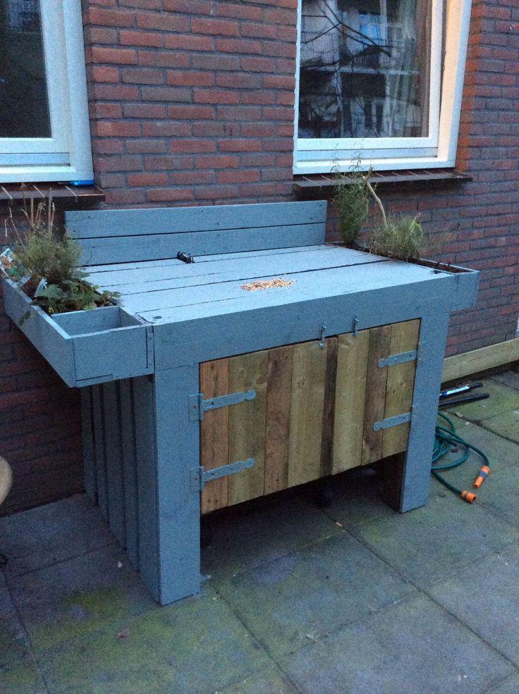 25 beste idee n over palletbar op pinterest kelderbars houten balken en kelder bar ontwerpen - Outdoor patio ideeen ...