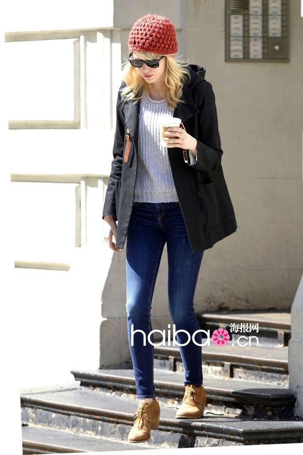 艾玛·斯通(Emma Stone)和男友前往《Spider-Man 2》位于纽约的拍摄现场(4月23日)