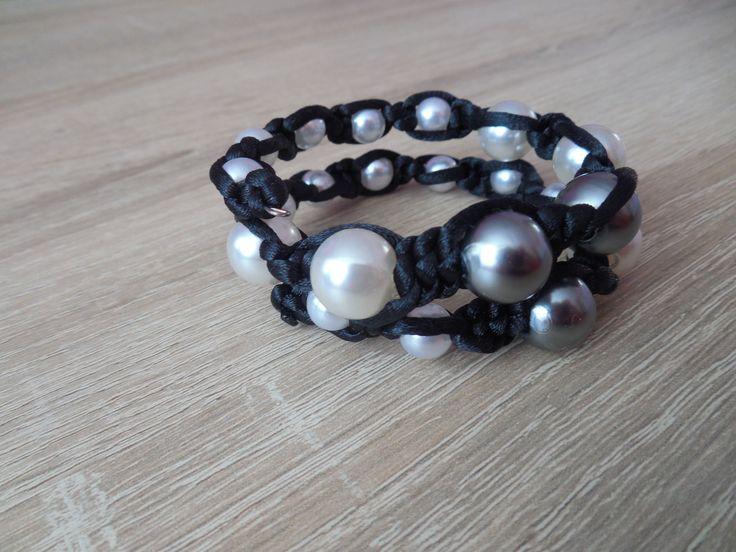 macrama bracelet. Memory wire.
