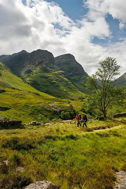 Walkers on the Old Drovers Road, Glencoe ༺