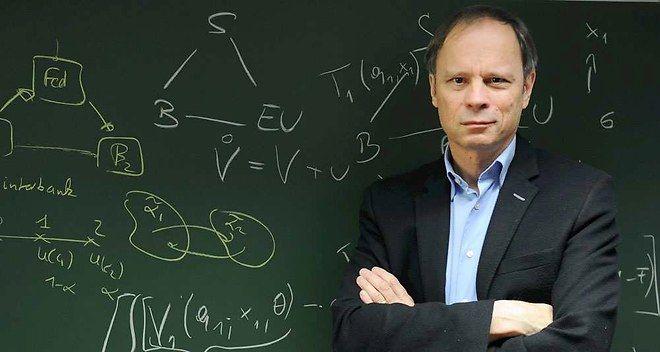 """""""J'adore écrie au crayon"""" Jean Tirole, lauréat 2014 du prix Nobel d'économie"""