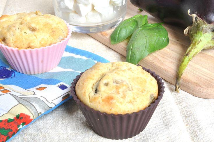 I muffin melanzane e feta Bimby sono dei muffin salati speciali! Il sapore deciso della feta greca e delle melanzane li rende saporiti. Per il pranzo fuori