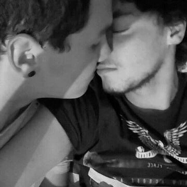 #Diadobeijo  Thiago e Felipe estão juntos já fazem quase 3 meses. #Pride #GayPride #Jampa #JoãoPessoa #PB #LGBT #LGBTPride #InstaPride #Instagay #Color #Travesti #Transexual #Dragqueen #Instadrag #Aligagay #Sitegay #SiteLGBT #Love #Gaylove