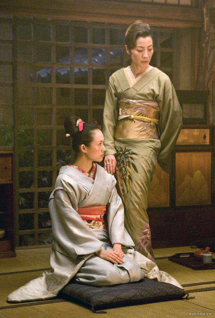 Ziyi Zhang as Chiyo/Sayuri and Michele Yeoh as Mamaha in Memoirs of a Geisha (2005) with costume designed by Colleen Atwood