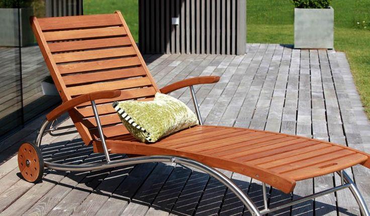 Die Edelstahl Gartenliege Vancouver ist aus Edelstahl und Robinienholz gefertigt. Die stabile Gartenliege ist ein perfekter Ort zum Entspannen, lesen oder relaxen. Unsere Sonnenliege ist in den Maßen 196 x 74,5 cm verfügbar. Diese und weitere Gartenliegen finden Sie unter http://www.meingartenversand.de/gartenmoebel/gartenliegen.html