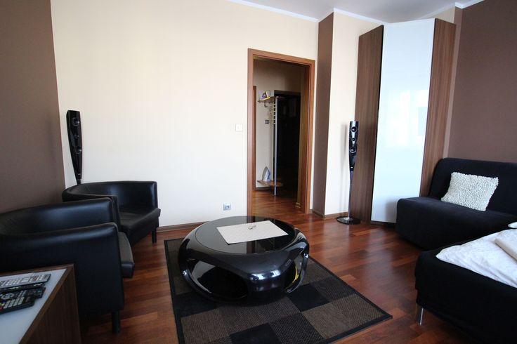 Salon Apartamen Brązowy  http://www.rainbowapartments.pl/apartament-brazowy/
