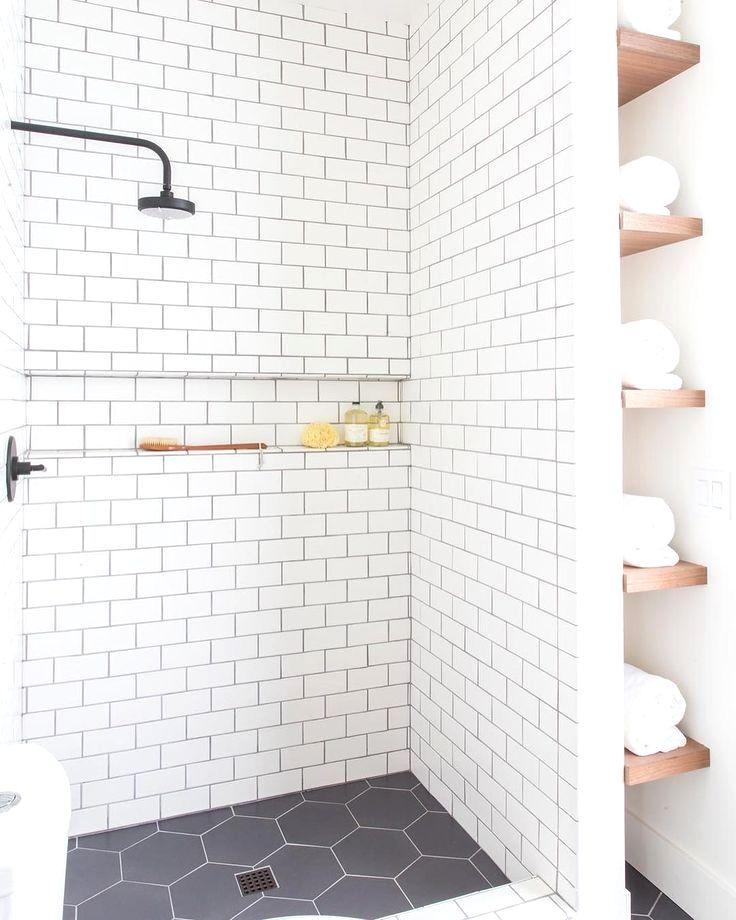 37 Comfortable Small Bathroom Design And Decoration Ideas Minimalist Small Bathrooms Small Bathroom Design Bathroom Design