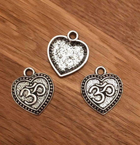 Antique Silver Tibetan Charm//Pendant 10 x Heart Lock Charms