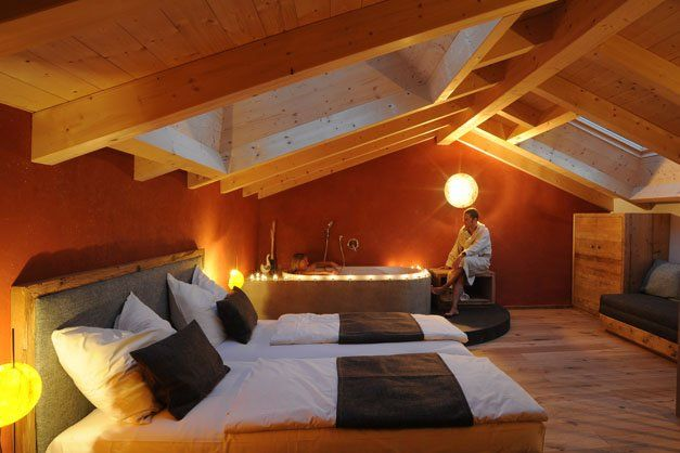 """Roter Hahn"" farm stay: Oberglunigerhof in Tscherms/Cermes - South Tyrol in the Italian Alps"