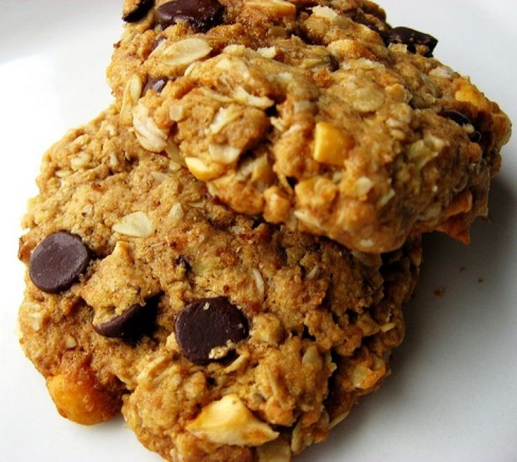 Sugar-free biscuits .... sub almond meal for the oats ... don't grind it too fine!  VEGAN too!