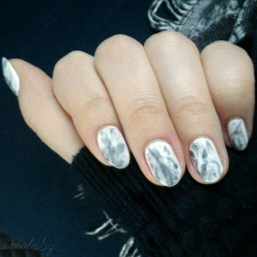 Smokey grey watercolour nail art