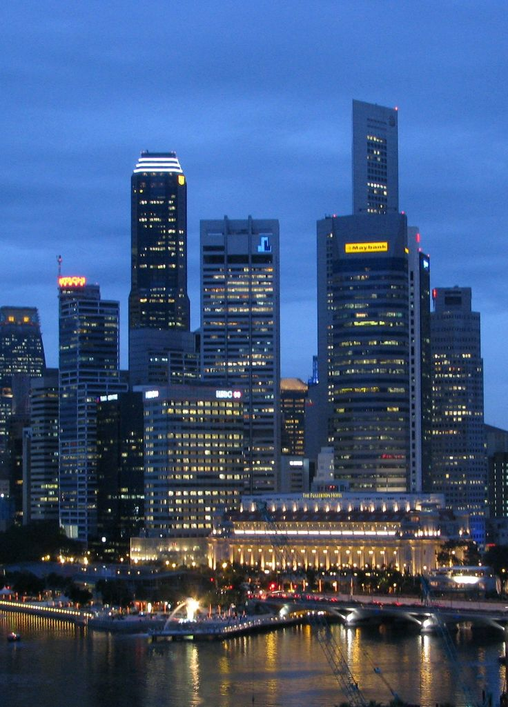 Evening at the city of Singapore | 25 Great Travel Tips for Singapore