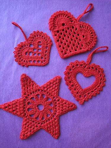 2015/04/29 Christmas Hearts by yarnjungle Site states: Personal pattern (not in Ravelry)