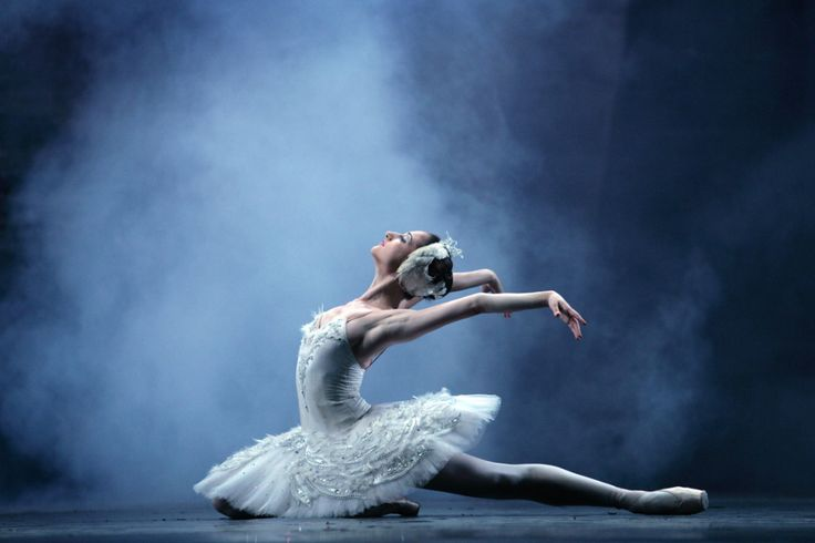 Sonhos marados, onde o mundo foi feito para os bailarinos http://palavrasdoabismo.blogspot.com/2016/12/sonhos-marados-29-um-mundo-feito-para.html #sonhos #bailado #dança #realidadealternativa