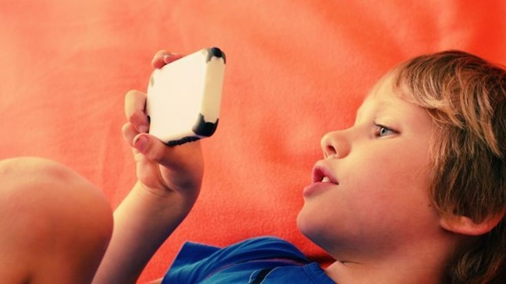 Too much time tapping away on an iPad, iPhone or similar screen — particularly around bedtime — can have a big impact on a child's mental well-being, says psychologist and parenting columnist Kim Knull.