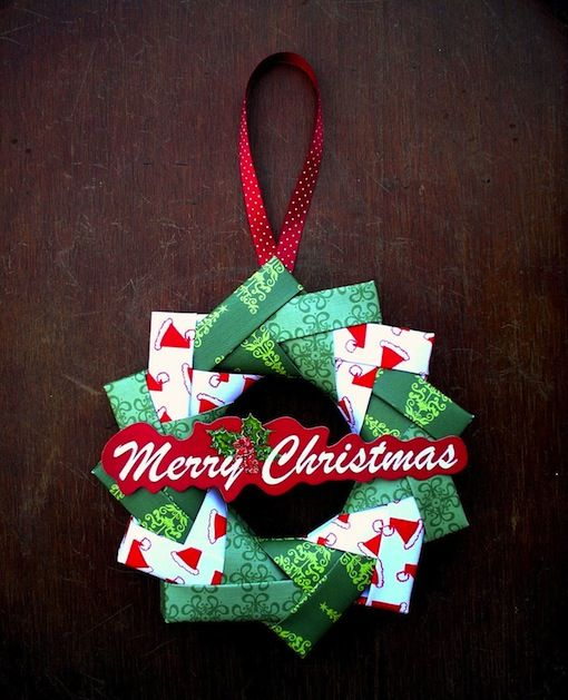 How-To: Origami Wreath from Sandy at Sandy's Space: Christmas Wreaths, Wreaths Tutorials, Christmas Crafts, Paper Wreaths, Origami Wreaths, Christmas Stockings, Christmas Ornaments, Wreath Tutorial, Schools Holidays
