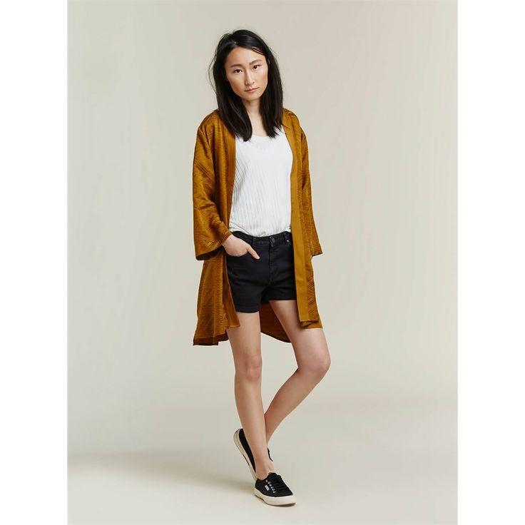 Een olijfkleurig jasje leuk voor de zomer Sissy Boy