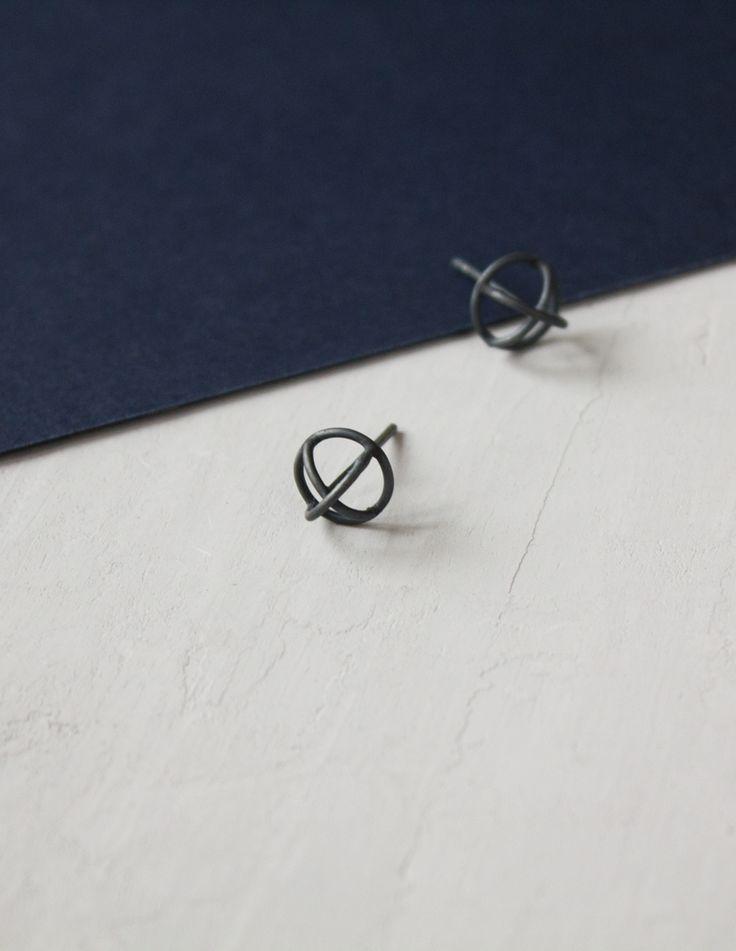 Silver X Earrings / Minimalist stud earrings / Oxidized silver earrings / Geometric earrings / Small silver earring /