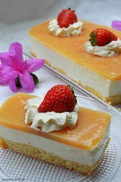 ¿Os apetece probar un pastel super rico y facilito de preparar?....pues os habéis topado con él. Este lo hice para celebrar el día del pad...