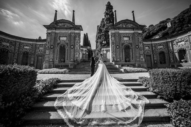 There are no words to describe such beauty and perfection...  A stunning couple in one of the most wonderful places in the world.  #destinationwedding #destinationweddingplanner #wedding #weddingday #weddingplanner #elenarenzi #elegance #beuty #beautiful #flawless #weddingdress #bride #groom #usa #mosaic #luxury #luxurywedding #luxuryevent #luryvenue #luxuryvilla #villadeste #cernobbio #italy #italia #lakecomo #lagodicomo #topdestinationsinitaly