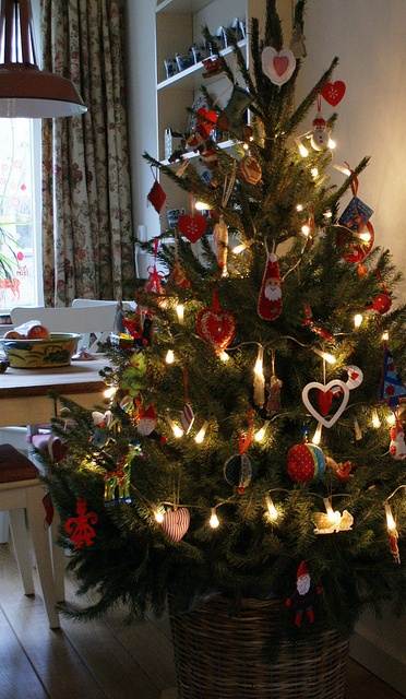 dutch christmas tree 2012 by blue via flickr christmas cottage 4113