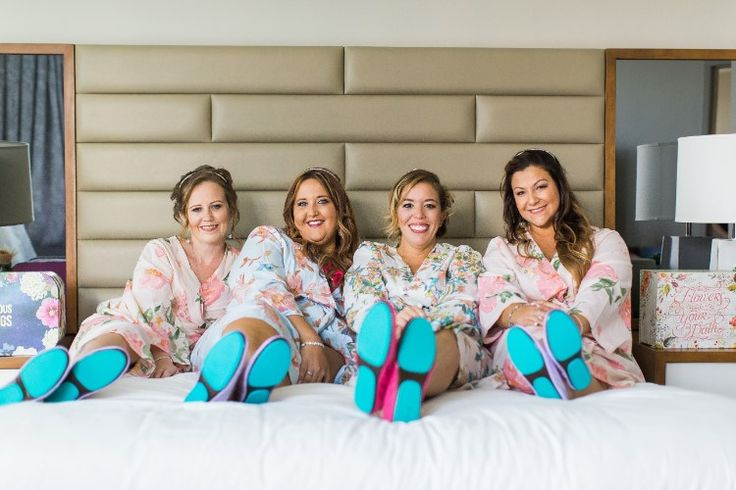 Adorable getting ready photo idea for the bride and bridesmaids! (Chris Kruger Photography)