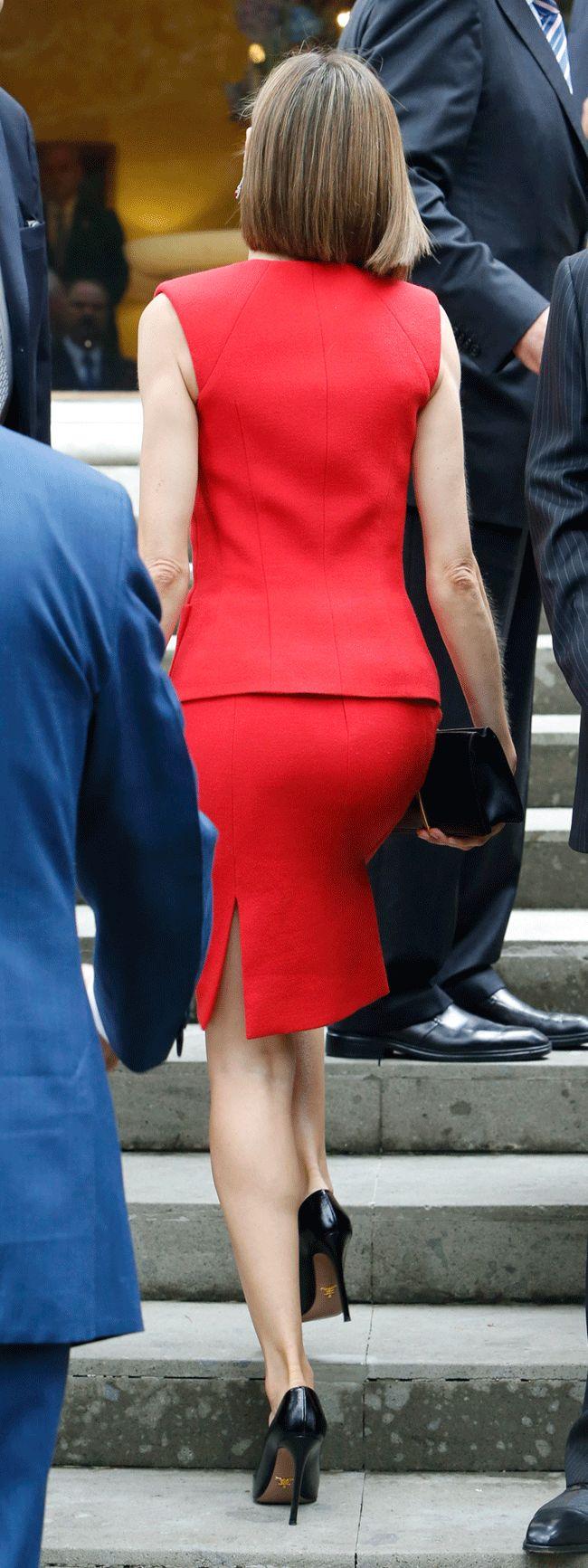 "Spain's Queen Letizia arrives to the ""Business Meeting Espana-Mexico"" in Mexico City, Mexico, June 30, 2015. REUTERS/Edgard Garrido"