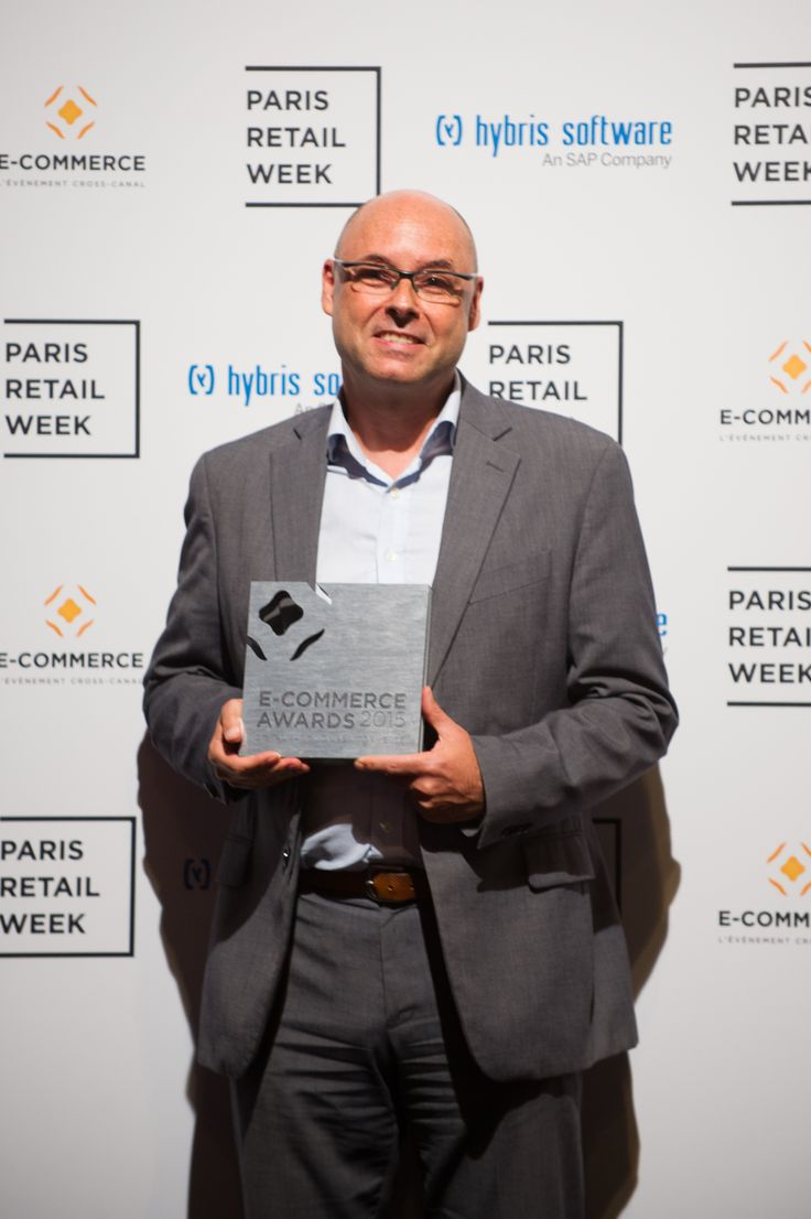 """Think&Go, winner of the category """"Digital point of sale"""" with its new generation of displays: Connected Displays. #ECP15 #ParisRetailWeek #AWARDS"""