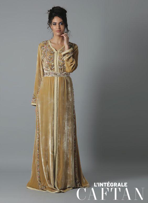 Si vous êtes admiratrices du tissu Velours de soie ou comme on l appel  Mobra au Maroc   Katifa en Algérie qui est un tissu très chic et tou. 6f732bfbb32