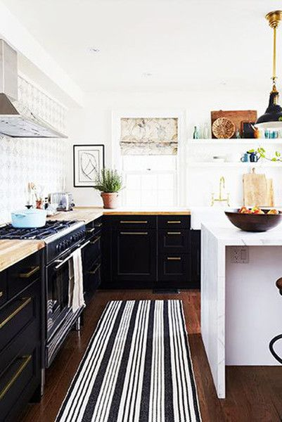 Black And White - The Best Kitchens We Saw All Year - Photos