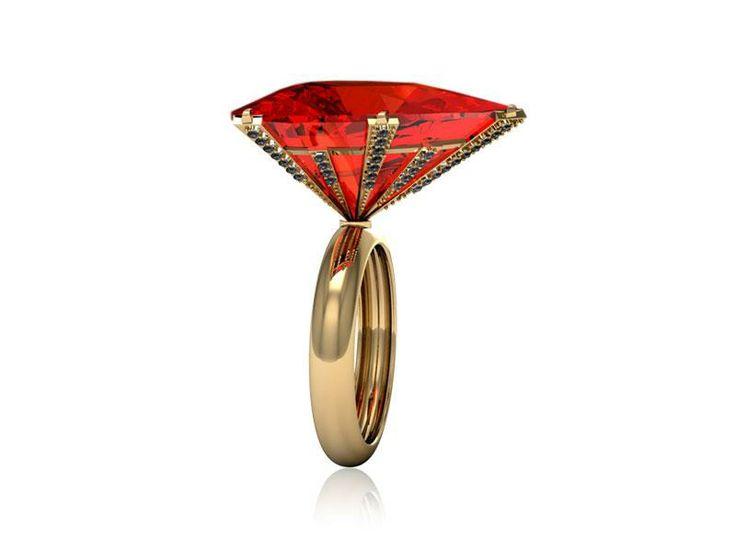 Anel Labaredas em ouro amarelo 18K com opala de fogo e diamantes negros