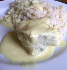 Un peu de poisson de temps en temps ne fait pas de mal :) Pour 4 personnes Préparation : 10 minutes Cuisson : 20 minutes Ingrédients : - 800 g de queue de lotte - 2 cuillères à café de curry - 2 cuillères à soupe d'huile d'olive - 4 cuillères à soupe...