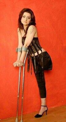 her-sexy-crutches-muslim-porn