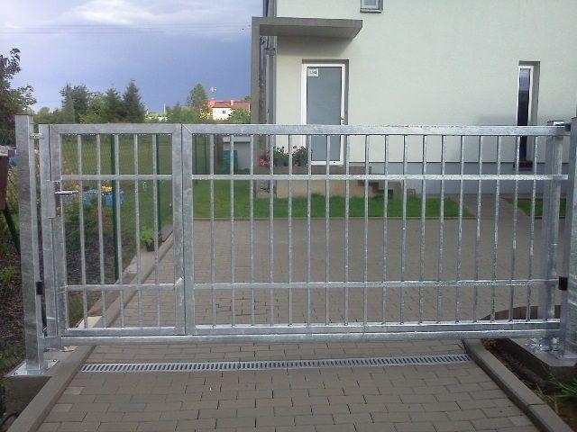 Brány vjezdové samonosné a pojezdové Zlín - Bartek Vrata