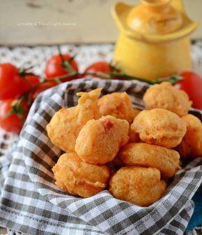 Frittelle salate alla pizzaiola veloci e sfiziose,da preparare all'ultimo minuto e servire per antipasto o semplicemente per gustare qualcosa di sfizioso.