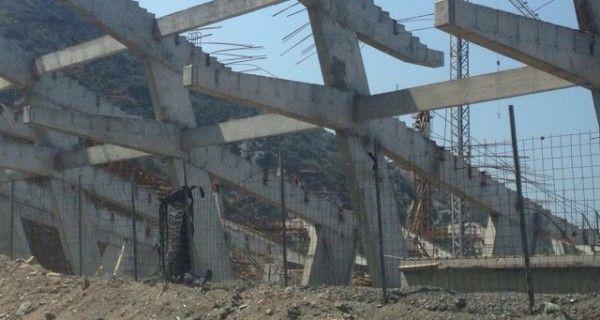 ¡SE ROBARON LOS REALES! Paralizadas y abandonadas las obras de construcción del estadio de béisbol de Vargas