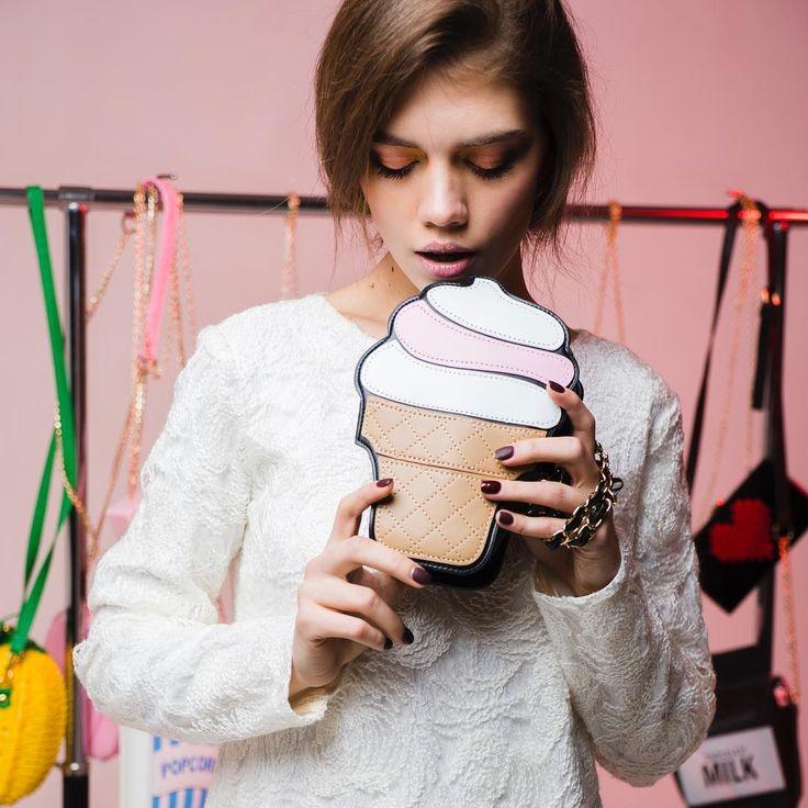 141 отметок «Нравится», 1 комментариев — 🍒Cherry berry bags🍒 (@cherry_berry_bags) в Instagram: «Очень вкусная сумка Мороженое🍦🍦🍦Так и хочется съесть😋 Сумка привлекает взгляды, без внимания точно…»