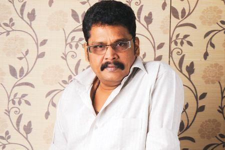 चेन्नई: फिल्मकार के.एस. रवि कुमार ने पुष्टि की है कि उनकी अगली फिल्म में अभिनेता किच्छा सुदीप होंगे। इसके लिए वह सुदीप का बाकी काम निपटाने तक इंतजार करेंगे। रवि कुमार ने आईएएनएस को बताया, ''अगर सब कुछ ठीक रहा तो फिल्म की शूटिंग अप्रैल में शुरू होगी। सुदीप इस वक्त कई फिल्मों में व्यस्त …