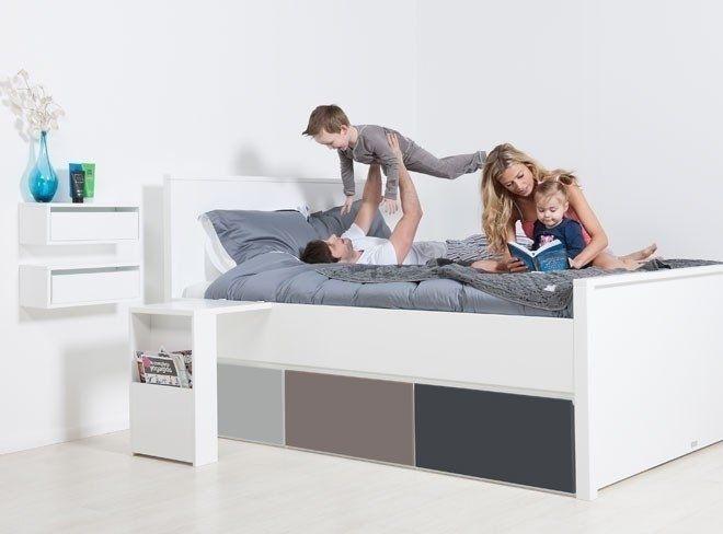 Mix & Match Xl Alfa bedden is het hoofdeind hoog en voeteind laag en zijn ideaal voor kleine en grote slaapkamers. De Xl Alfa bedden zijn uit te breiden met handige laden units met wielen of softcl...