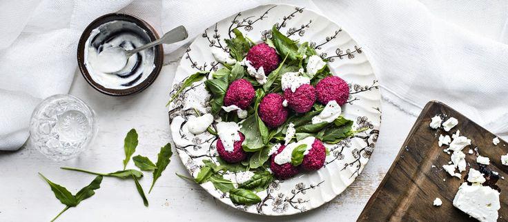 Kvinoa-punajuuripyörykät